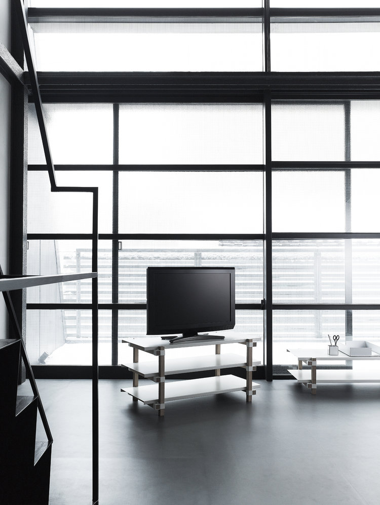 tre tv board design keiji ashizawa voor duende smukdesign. Black Bedroom Furniture Sets. Home Design Ideas