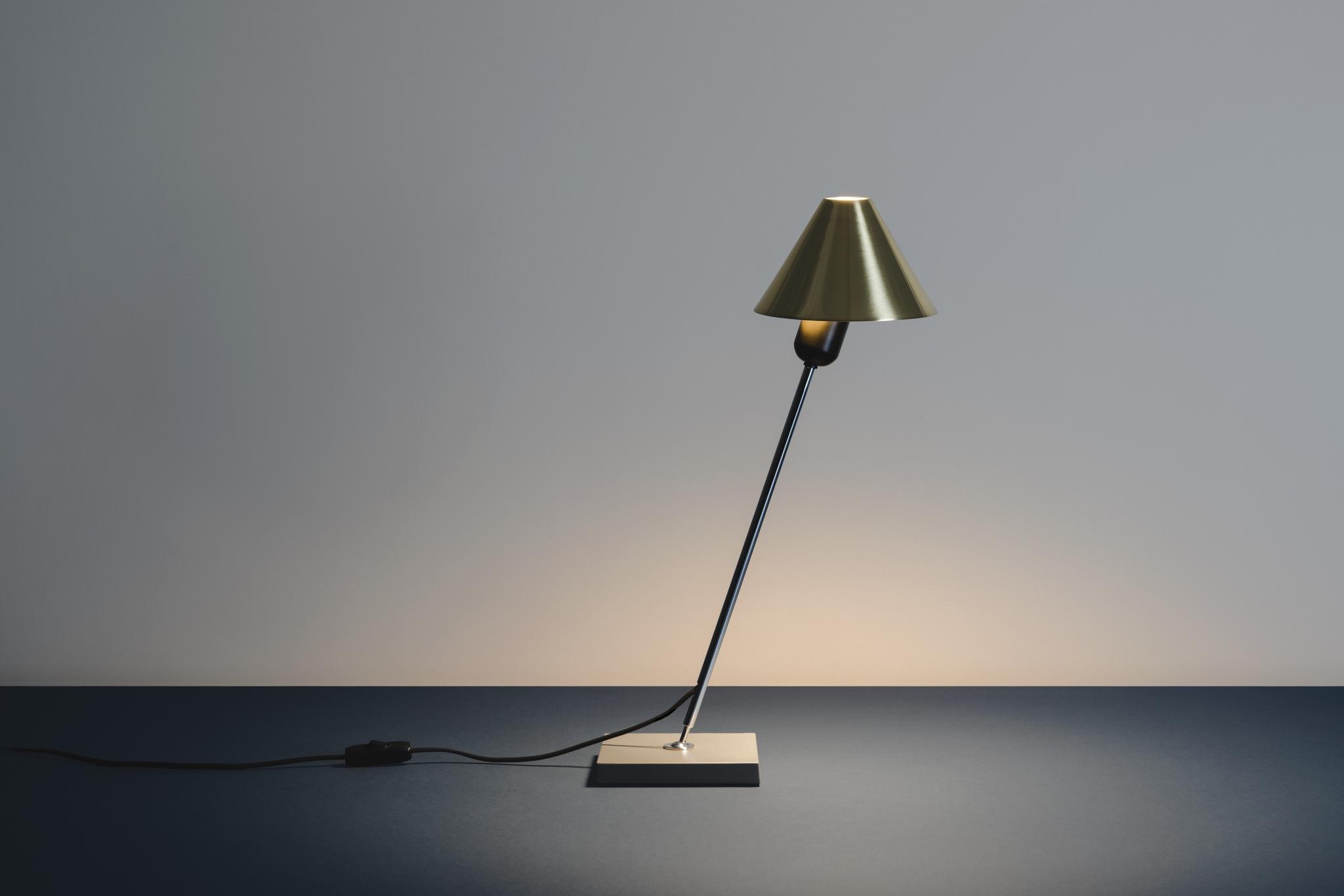 Design Tafel Lamp : Gira table lamp design ferrer massana en tremoleda smukdesign