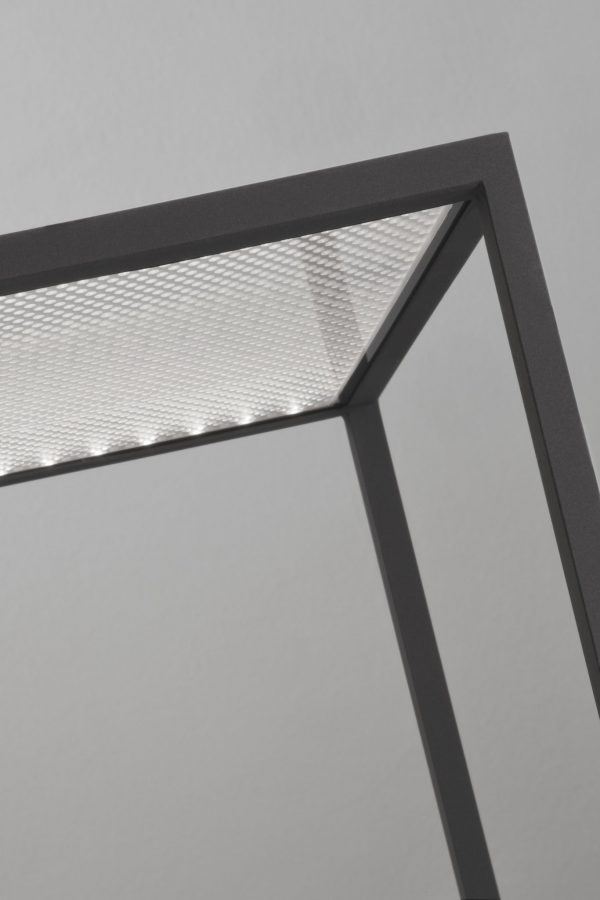 R3 Tafellamp Design Antoni Arola voor Santa en Cole