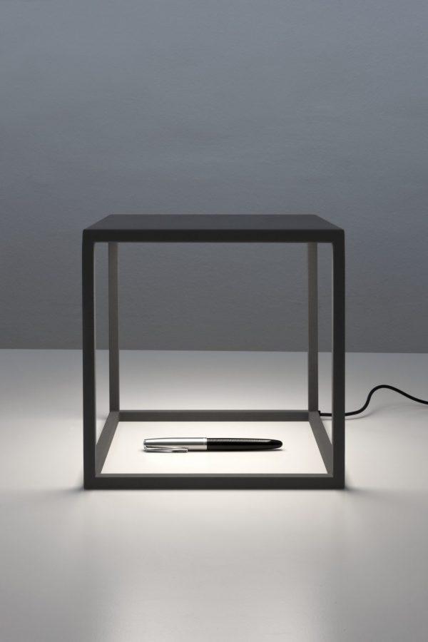 C1 Tafellamp Design Antoni Arola voor Santa en Cole