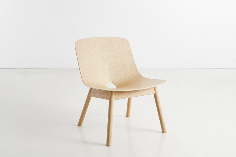 Mono lounge stoel design kasper nyman voor woud smukdesign