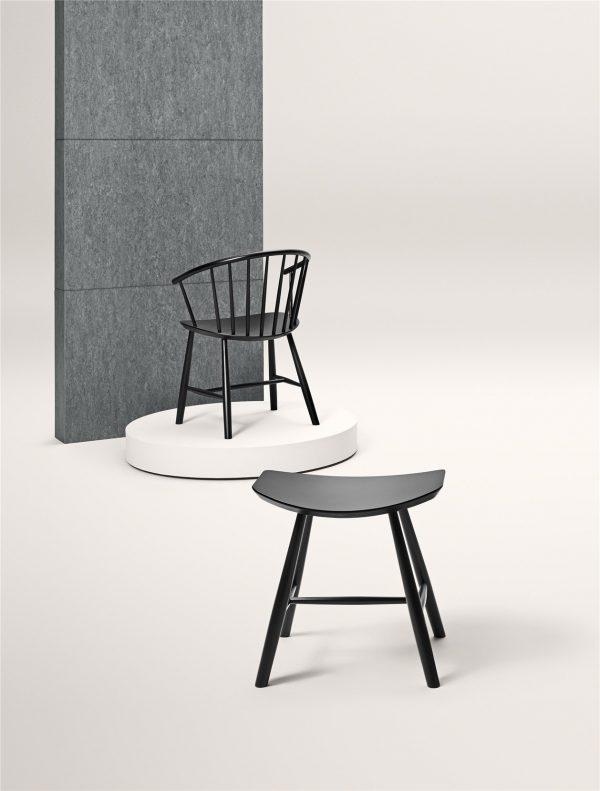 J64 Stoel Design Ejvind Johansson voor Fredericia