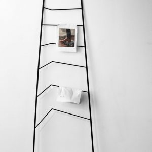 Nook Wall Rack Nook Wandrek Design Cecilia Xinyu Zhang voor Northern