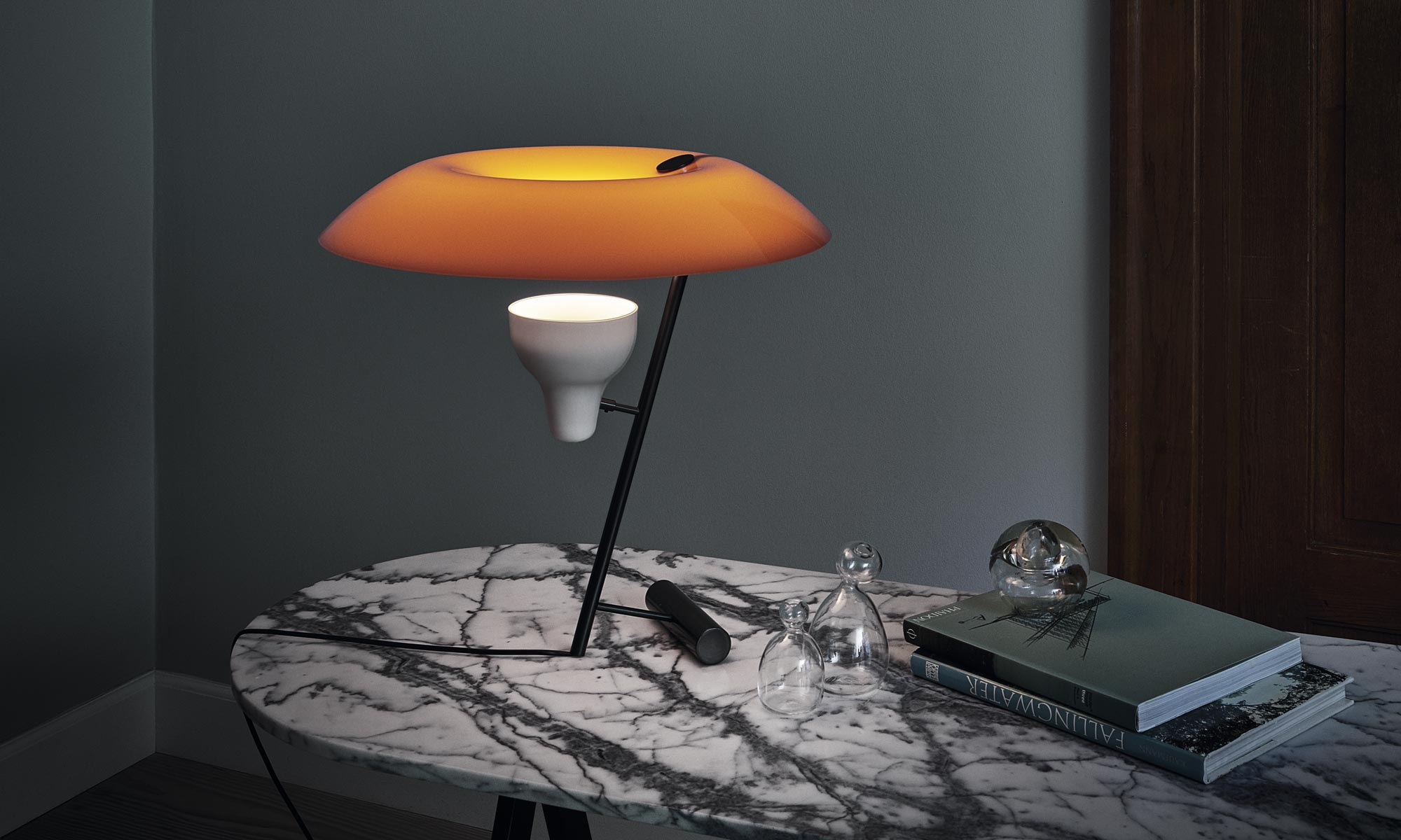 Model 548 table lamp design gino sarfatti for astep for Designklassiker mobel