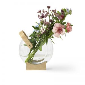 Handle Vase Design Eva Harlou voor Mater