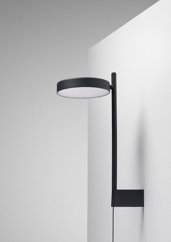 W182 Pastille Wandlamp W182 Wall lamp Design Sam Hecht en Kim Colin voor Wastberg