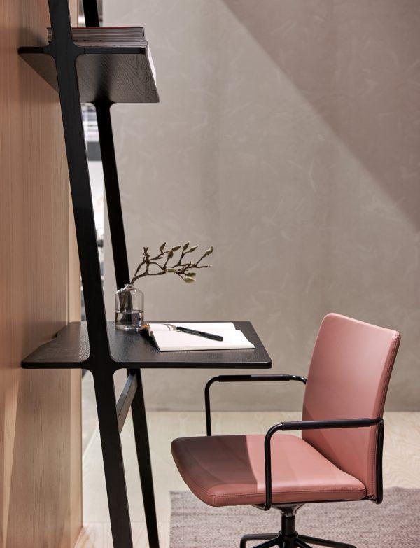 Libri Buro Libri Desk Design Michael Bihain voor Swedese