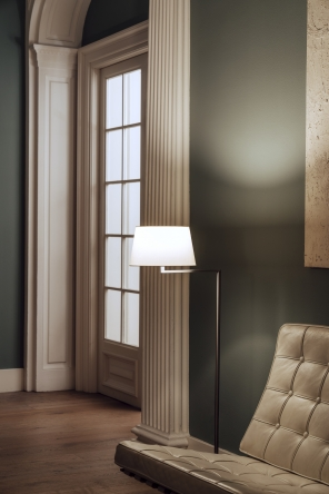 Americana Vloerlamp Design Miguel Mila voor Santa Cole