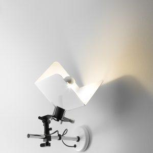 Triedro Wandlamp Design Joe Colombo voor Stilnovo